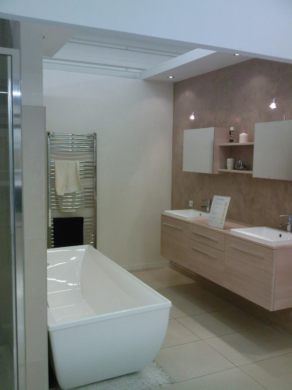Addict show room salle de bains leroy merlin for Salle de bain leroy merlin photo